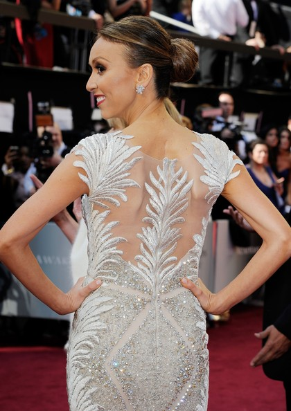 2012 Oscars Giuliana Rancic in Tony Ward Gown