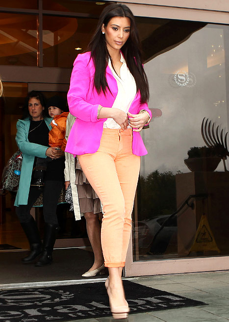 Kim Kardashian colour blocking in Pink Naven Blazer and pastel jeans