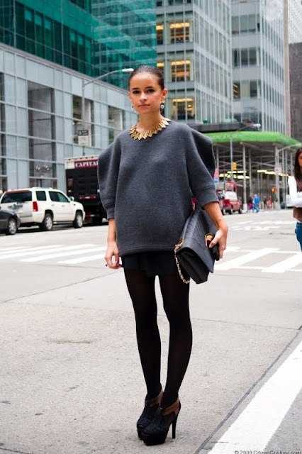 miroslava duma in oversized sweater