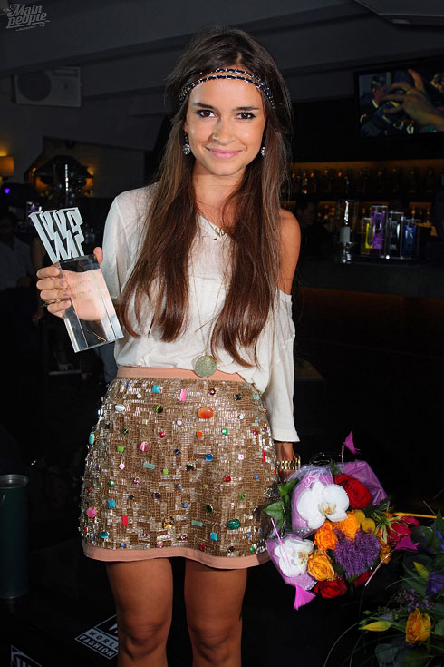 Miroslava Duma in headband