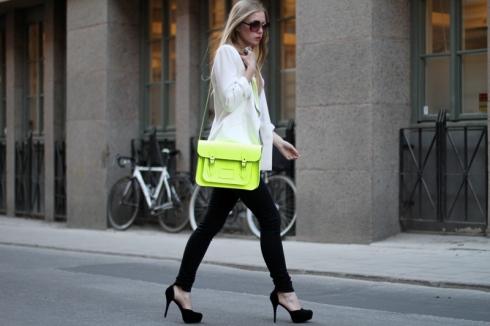 Neon yellow bag street style