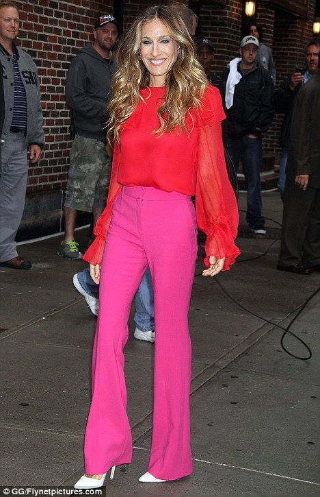 sarah-jessica-parker colour blocking with hot pink and red