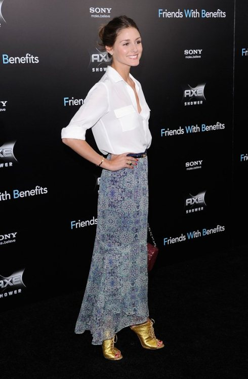 Oliva Palermo in light blue print Maxi skirt and button down