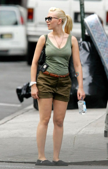 Scarlett Johansson wearing Olive Classic TOMS