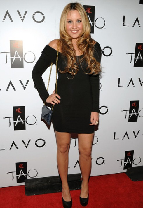 Amanda Bynes with J.J. Winters chain envelope croco clutch in black