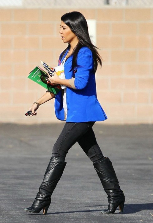 Kourtney Kardashian wearing blue vegas blazer by Naven