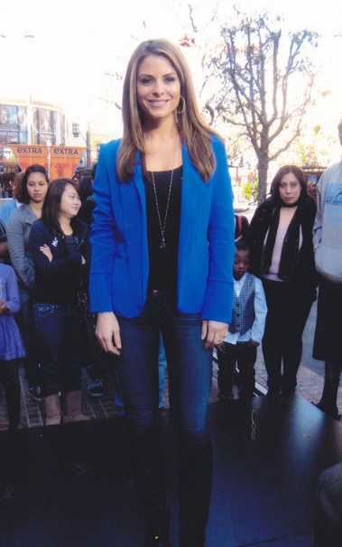 Maria Menounos wearing Vegas Blue blazer by Naven