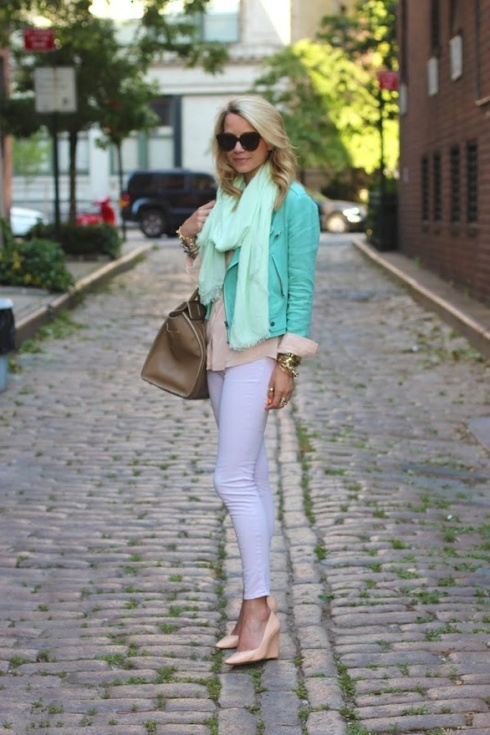 How to wear J Brand skinny jeans in lilac with pink