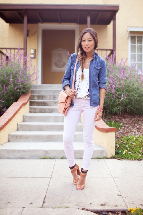 How to wear J Brand 811 Mid-Rise Skinny Jeans in lilac